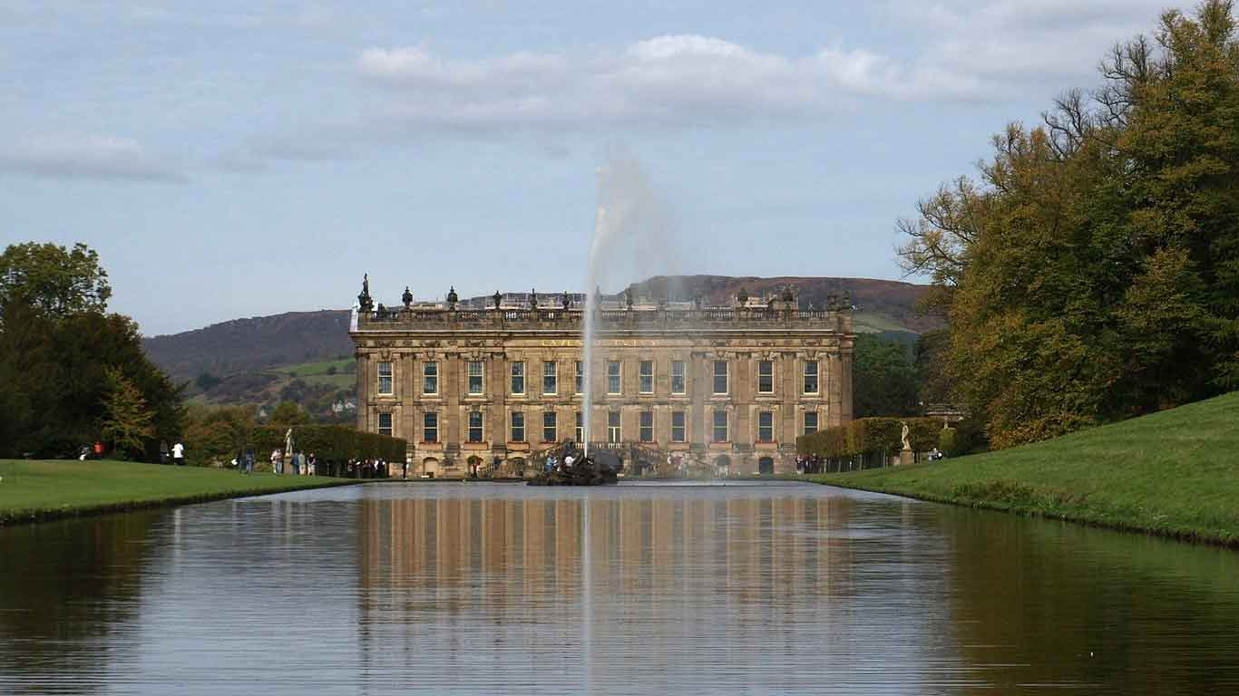 UK travel experiences. Stately Homes and Palaces. Chatsworth House, Peak District