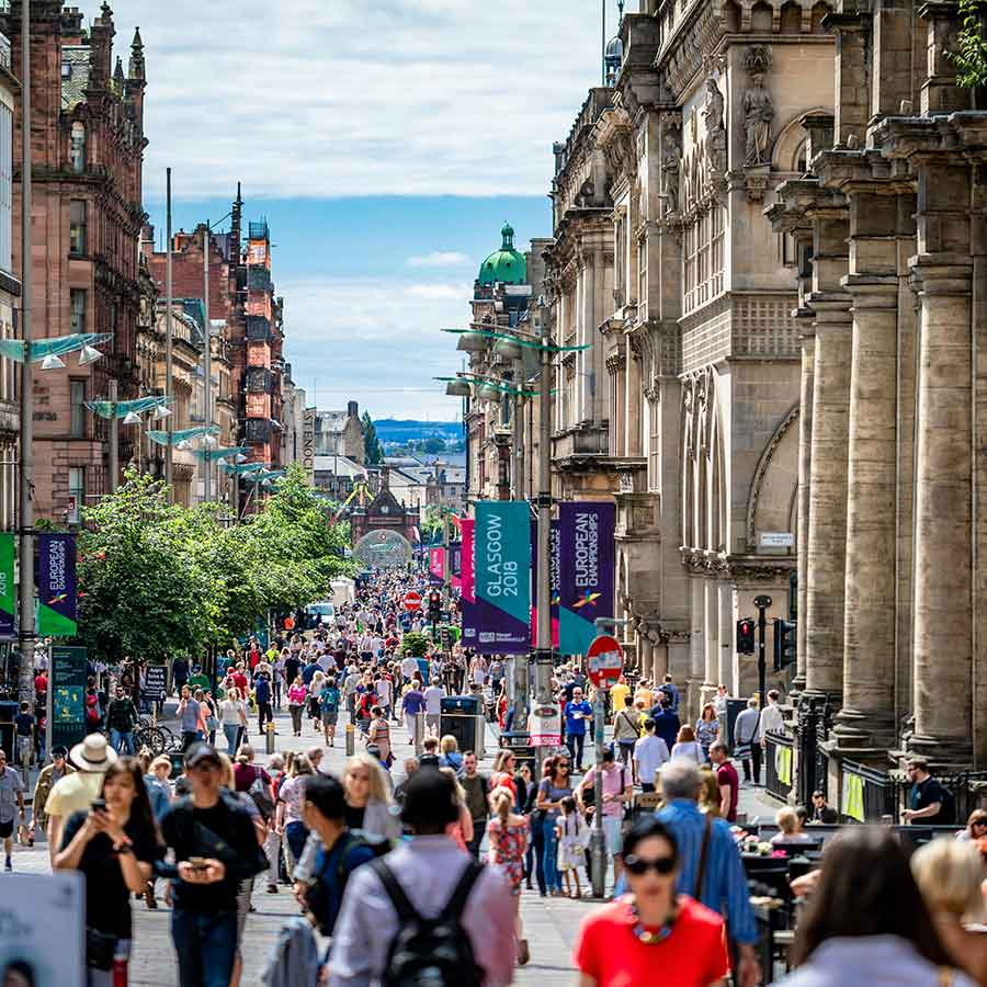 Holidays in Scotland. Glasgow holidays and travel information