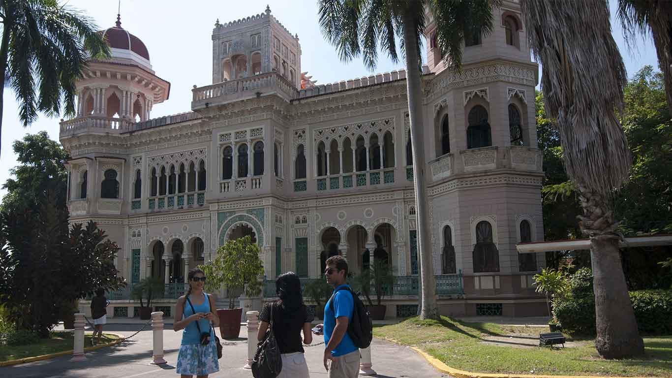 The historic urban centre of Cienfuegos, Cuba, has been listed as a UNESCO World Heritage Site since 2005 and boasts atypical architecture and urban planning. Locals call this city The Pearl of the South