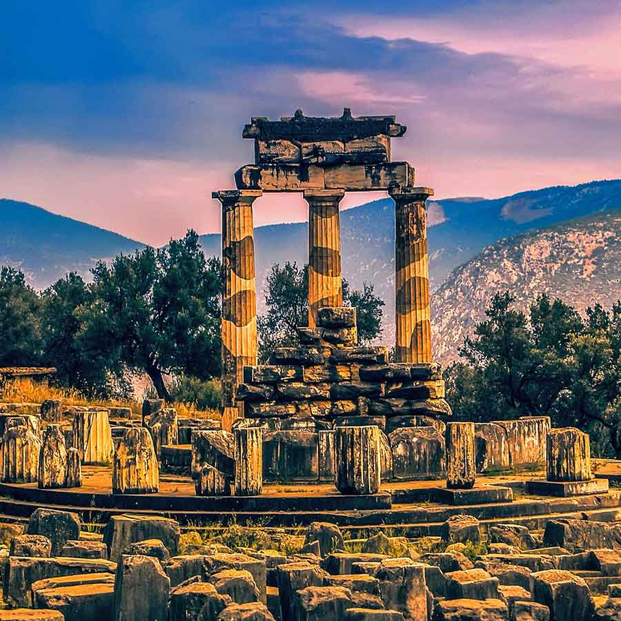 Holidays in Greece. Greece Destination Guide, Continental Greece including Delphi and Olympia