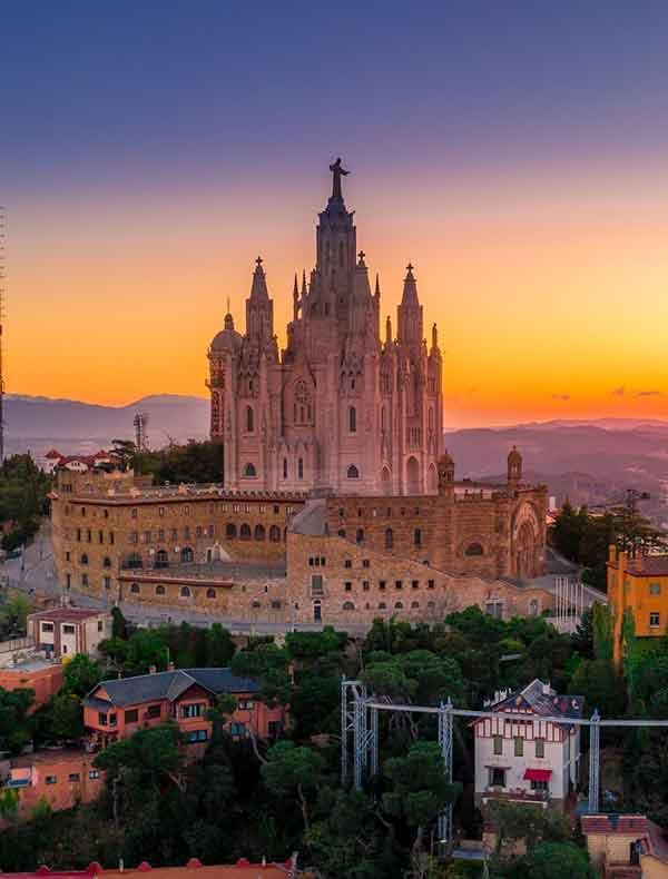 Spain Travel Guide. Barcelona