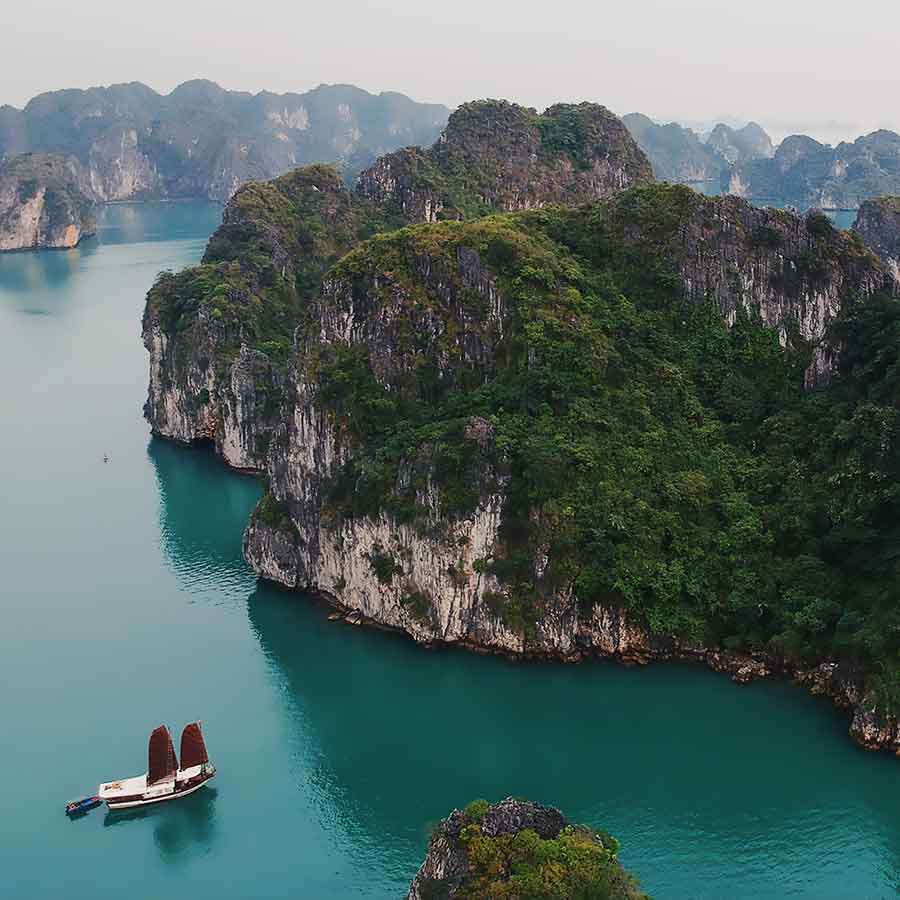 Vietnam Holidays. Halong Bay