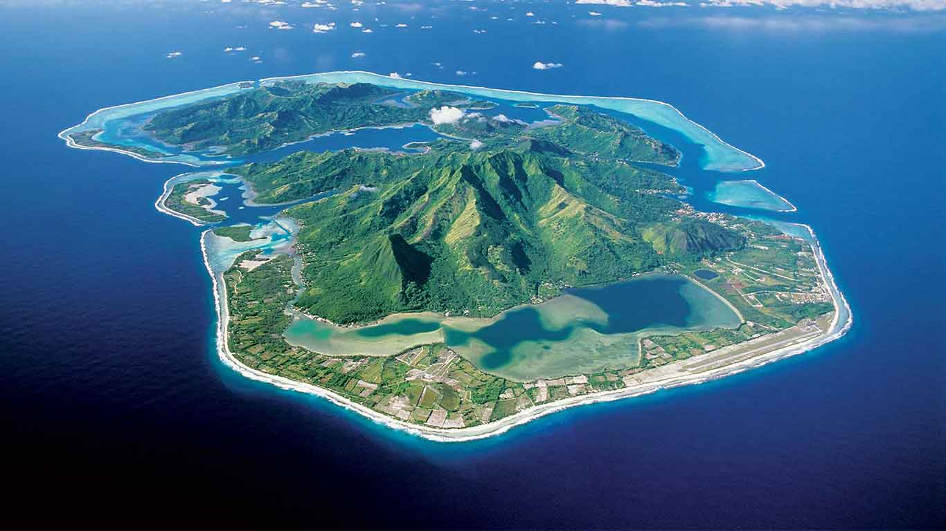 Huahine Island holidays, French Polynesia