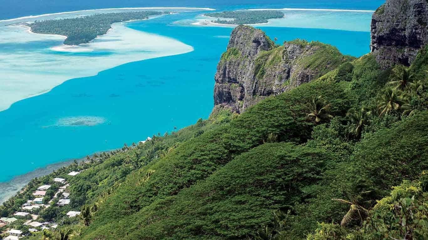 Maupiti Island holidays, Islands of Tahiti, French Polynesia