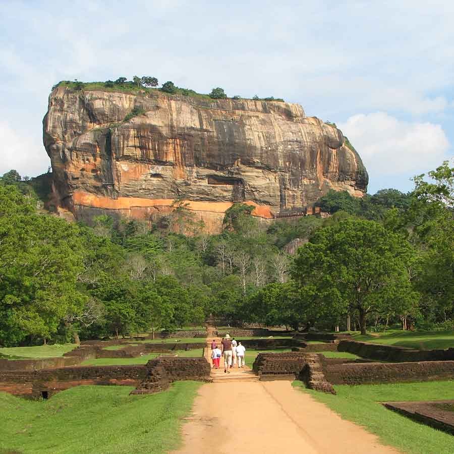 Sri Lanka Tours, small group tours, private tours, and tailor-made escorted tours in Sri Lanka